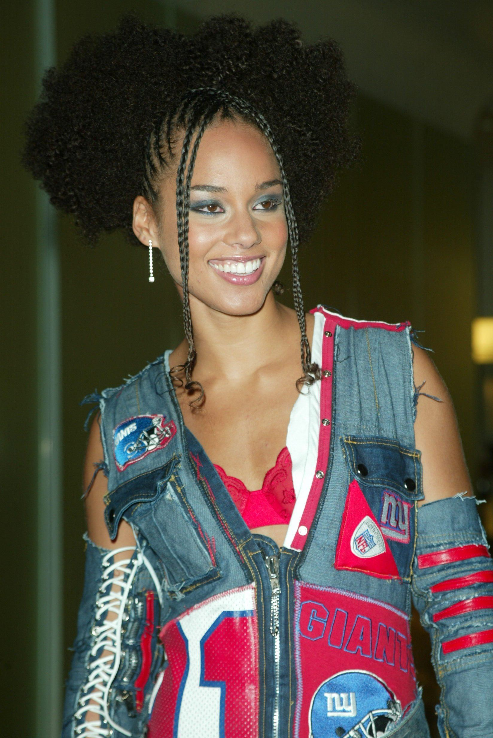 Alicia Keys At A Boutique Opening In 2002 With Half Braids Afro Look