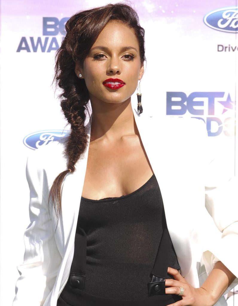 alicia keys at the 2011 bet awards with a side fishtail braids