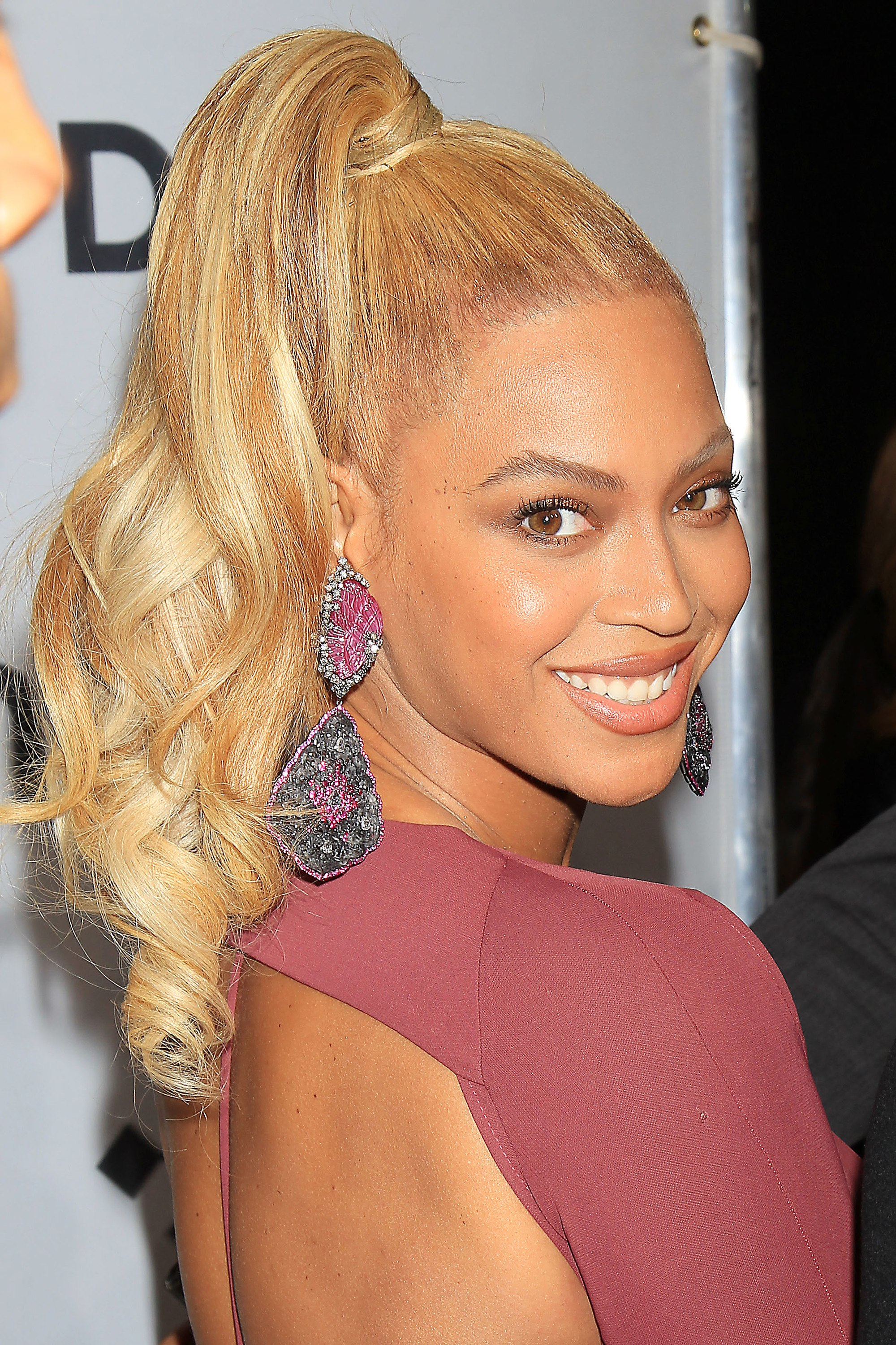 Hair Colour For Dark Skin The Flattering A List Approved Hues To