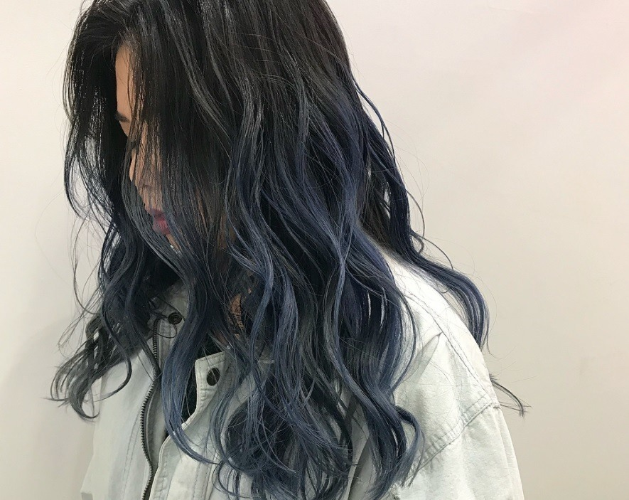 If these Insta-stars can pull off black hair with blue tips, so can you!