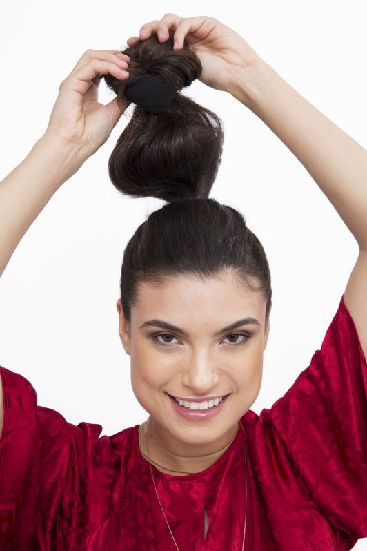 How to create sock curls brunette girl with ponytail tying bun