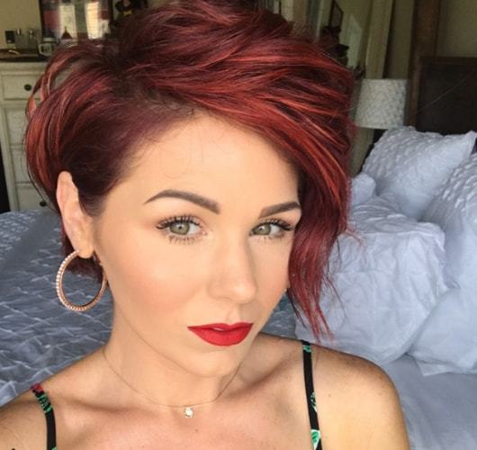 These are the short red hairstyles from Instagram we\'re double tapping