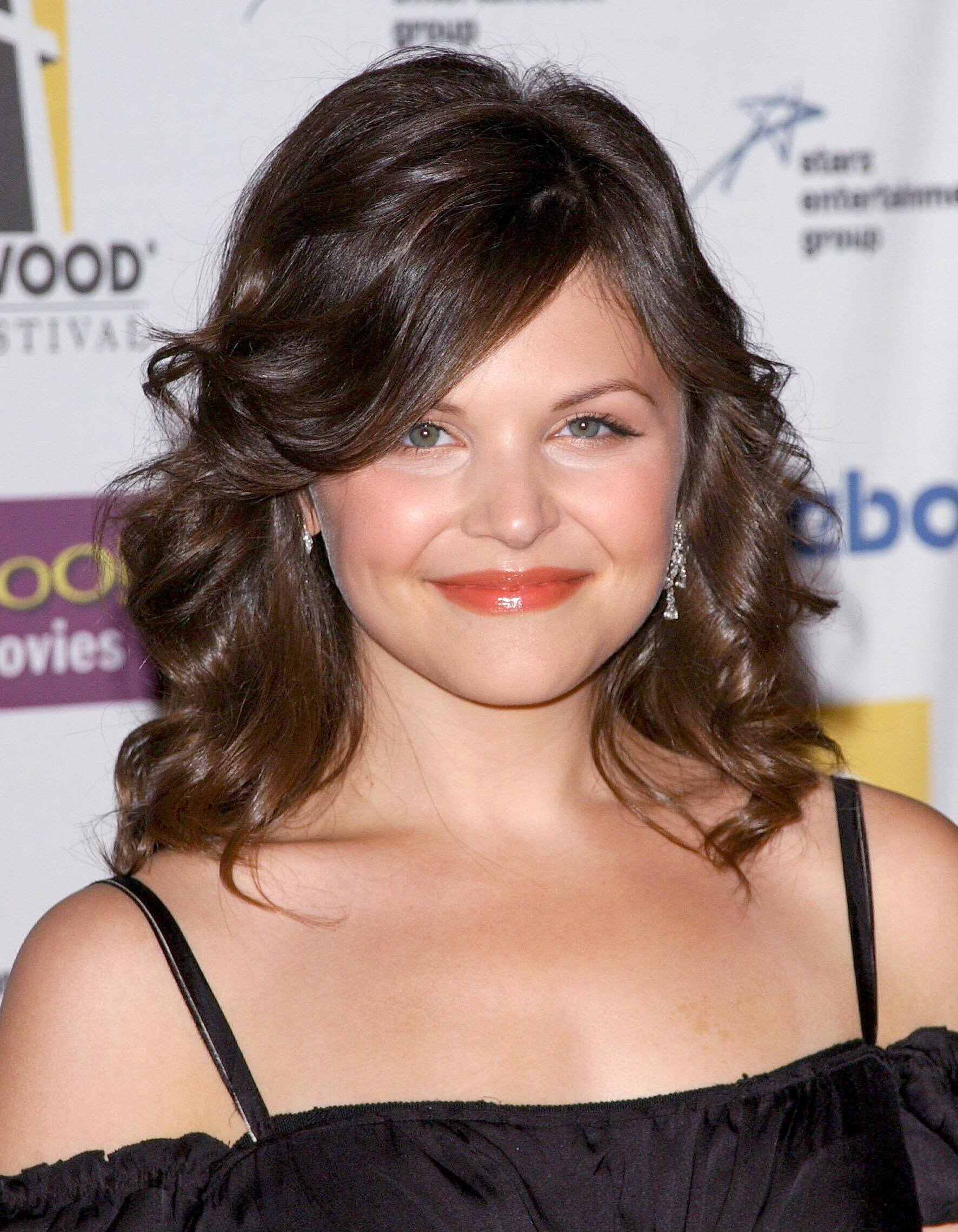 once upon a time actress ginnifer goodwin with flicked layers and shoulder length brunette hair