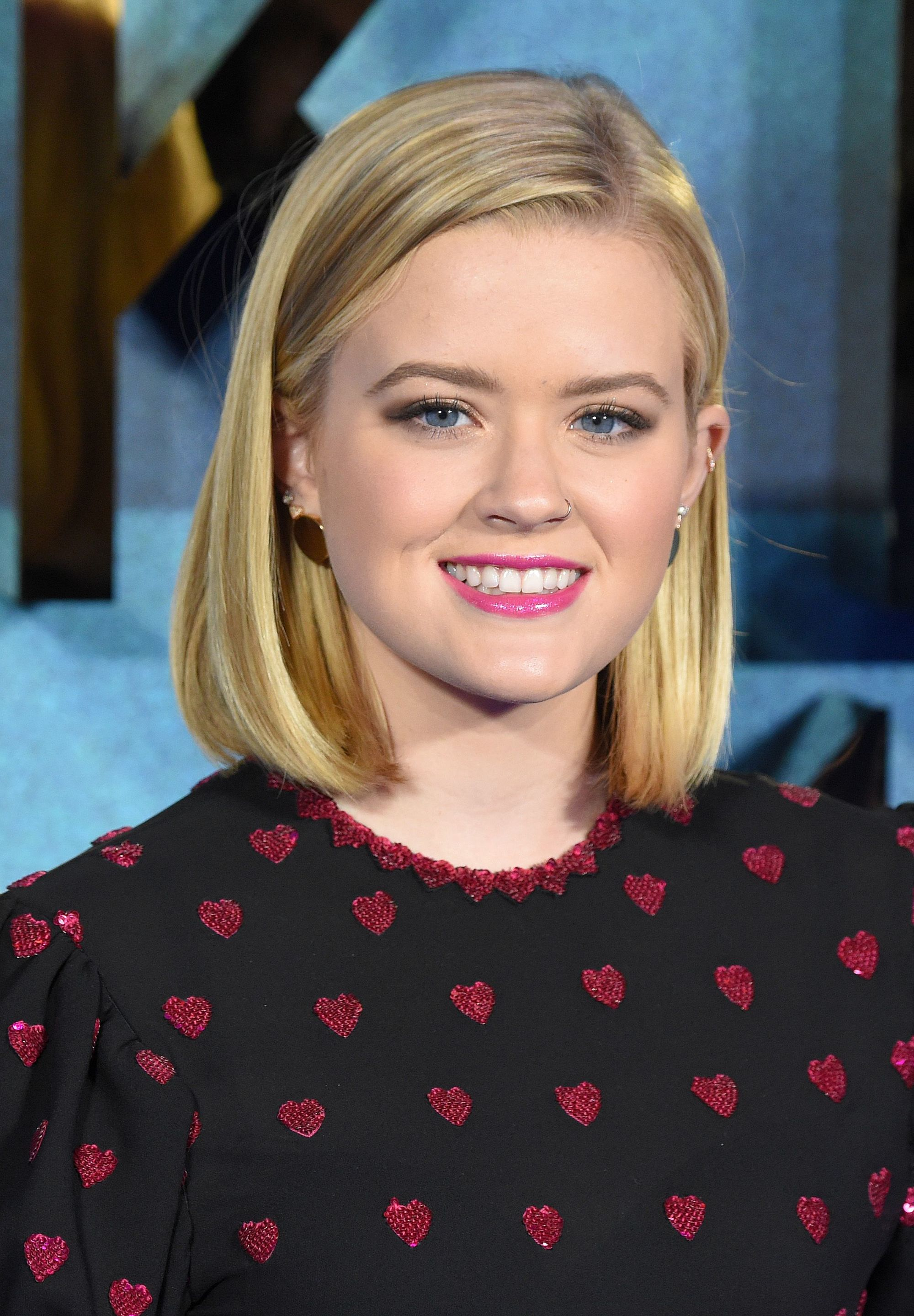 reese witherspoon and ryan phillippe's daughter ava phillippe with a new bob haircut