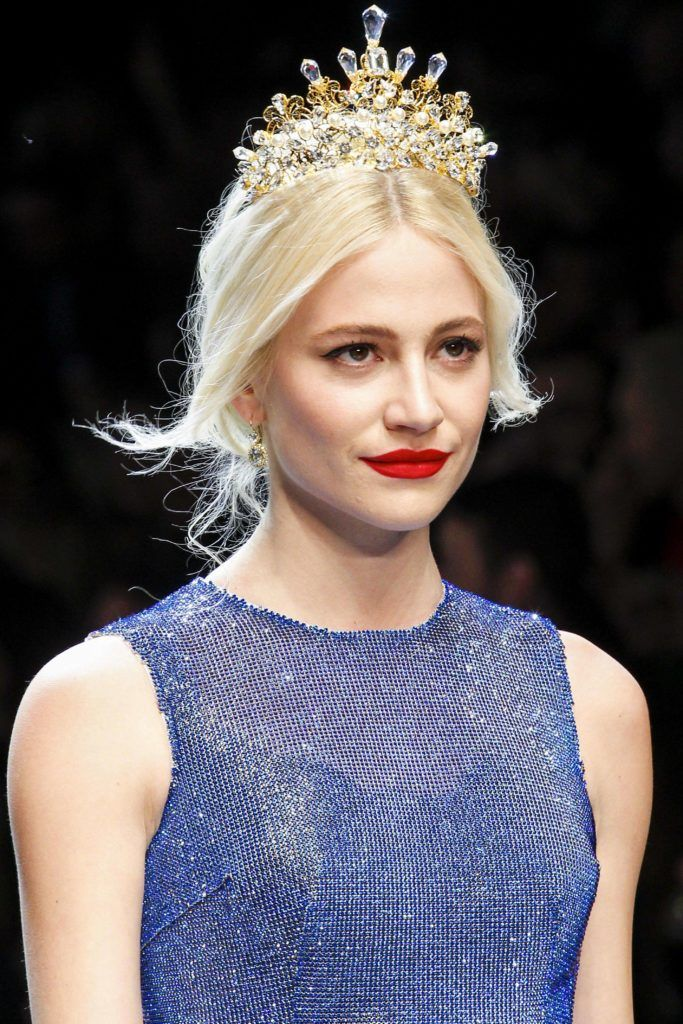 pixie lott hair styles how to rock hairstyles with a tiara like a fashionista 8040