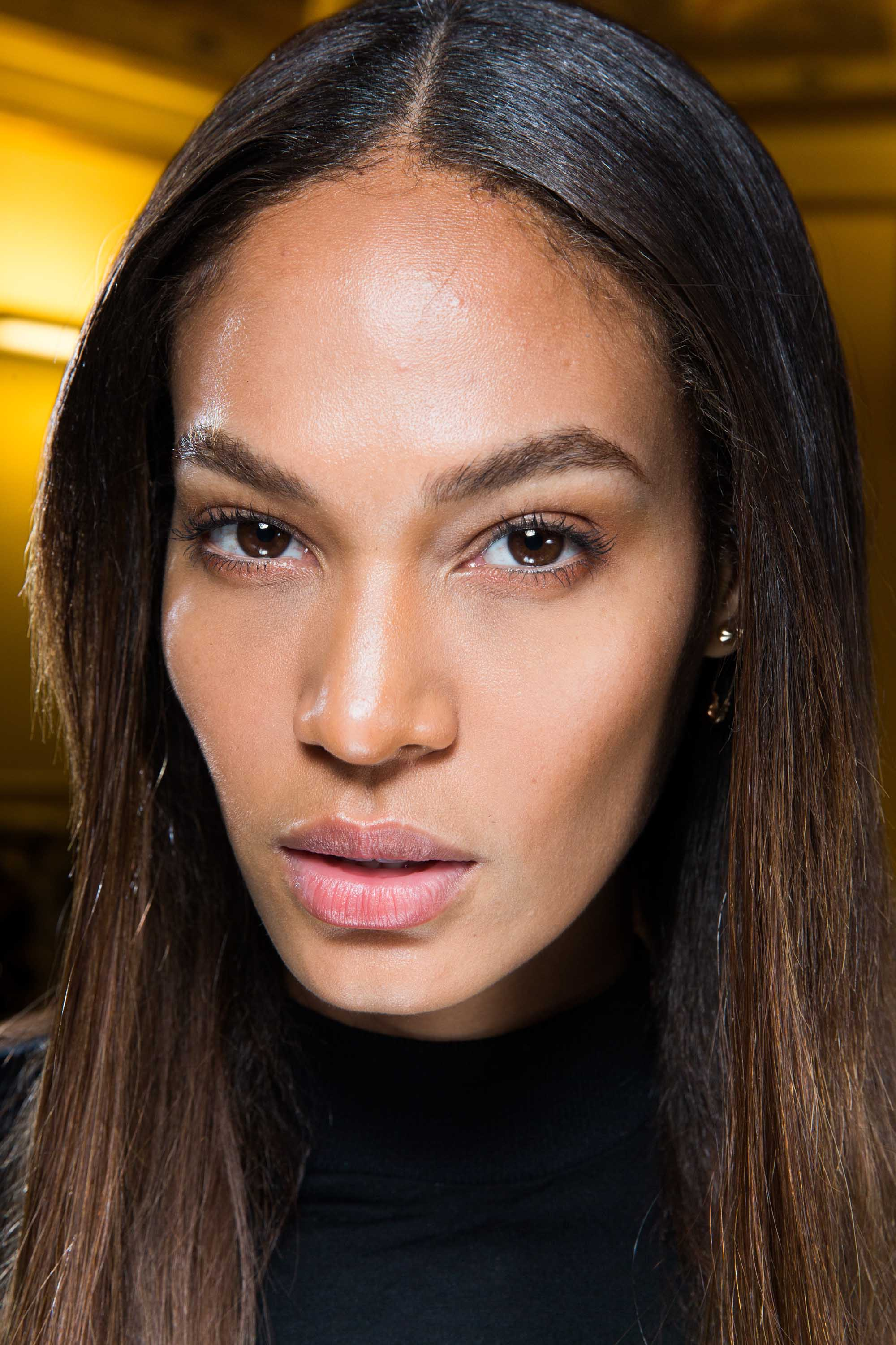 The difference between balayage ombre highlights an expert model joan smalls with balayage ombre hair colour solutioingenieria Image collections