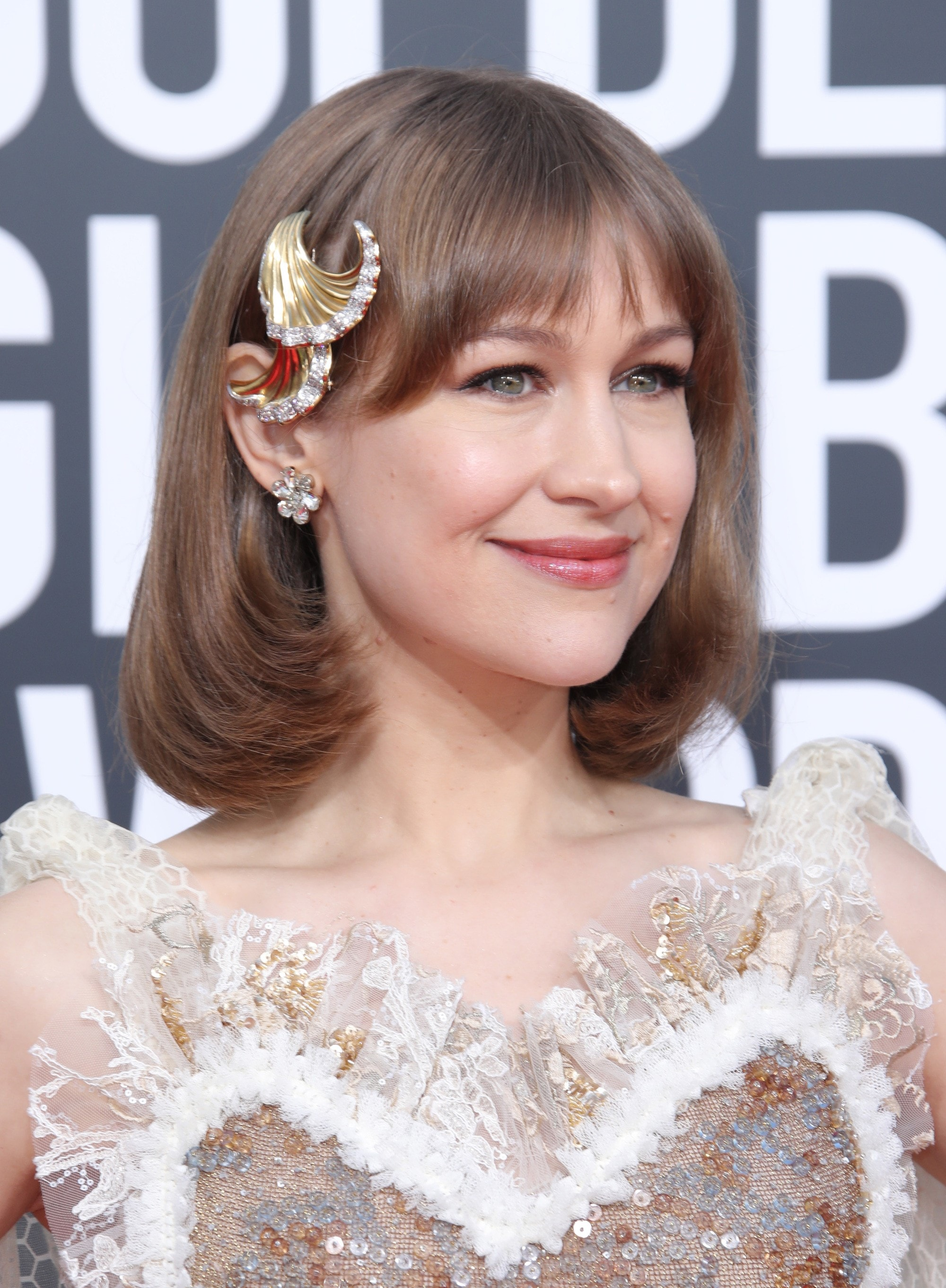 0dbb1b02c9fd 2019 Hair accessories  Joanna Newsom with a dirty blonde flipped long lob  with a golden