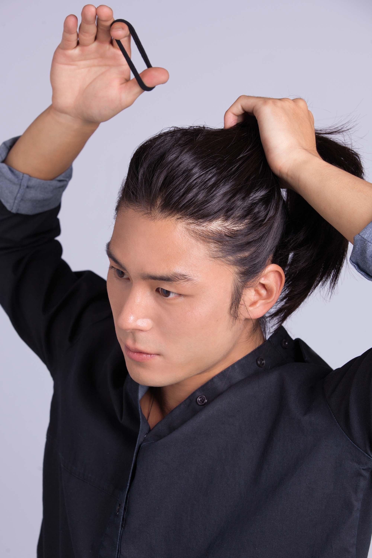C mo crear ondas playeras para hombre peinados de moda - Peinados de moda para chicos ...