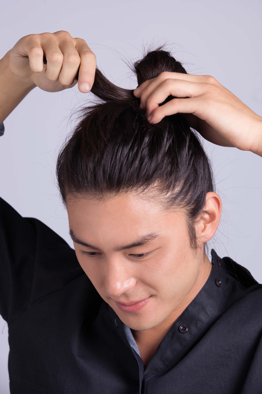 Peinados de moda para hombres c mo crear ondas playeras - Peinados de hombre de moda ...