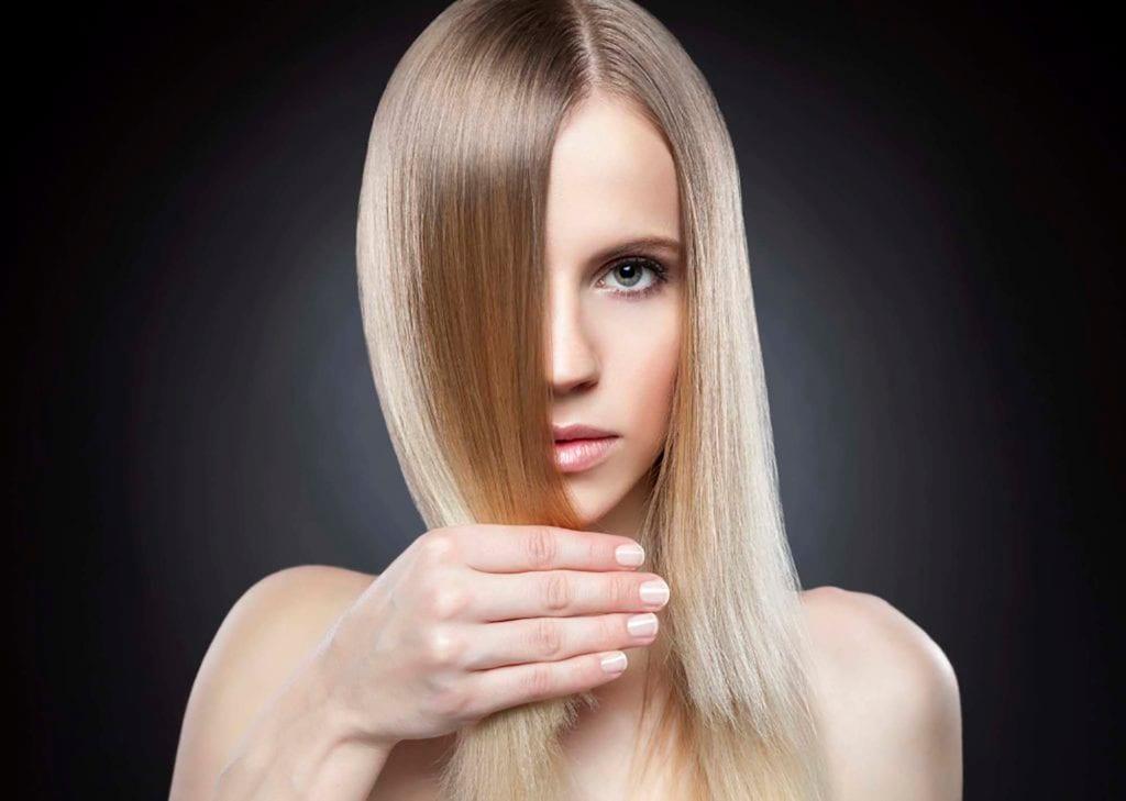Peinados lacios, rubio liso