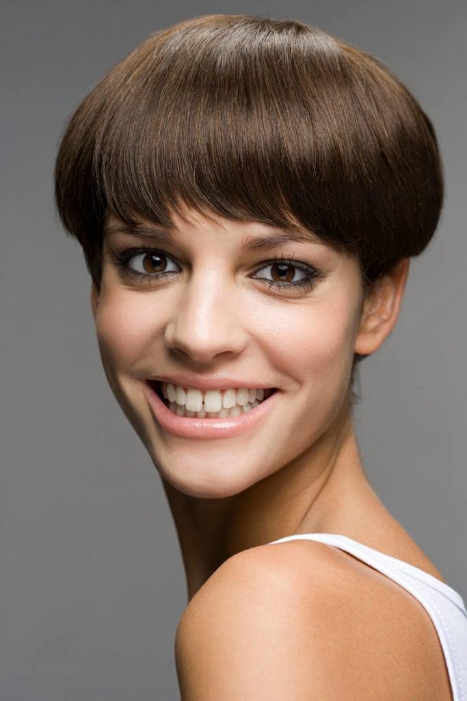 cabello corto pixie redondo