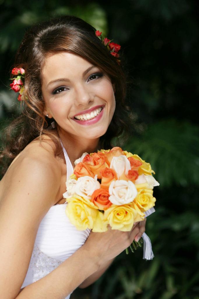 flores de novia para el pelo media cola