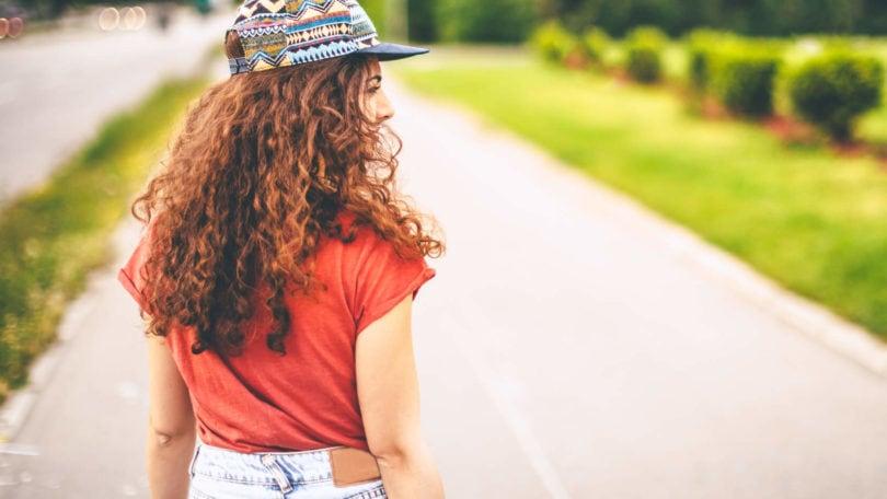 Aceite para cabello rizado: Conoce el mejor y dile adiós al frizz