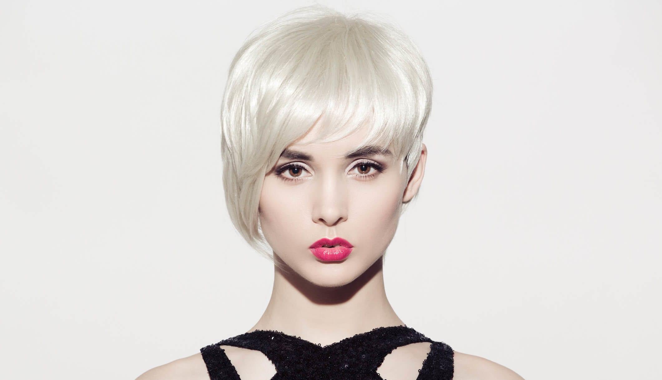 pelo rubio blanco