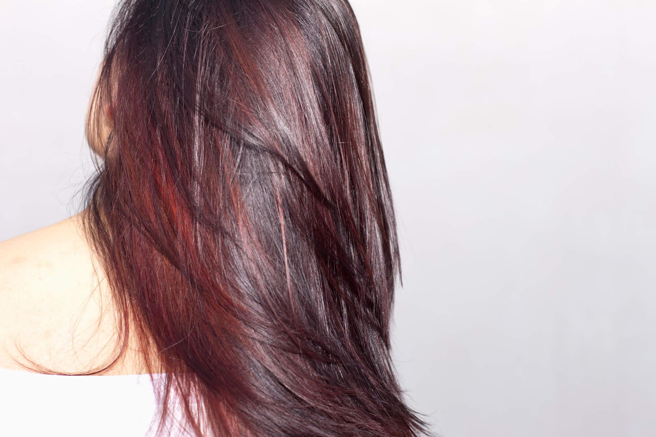mechas en cabello largo de la misma gama