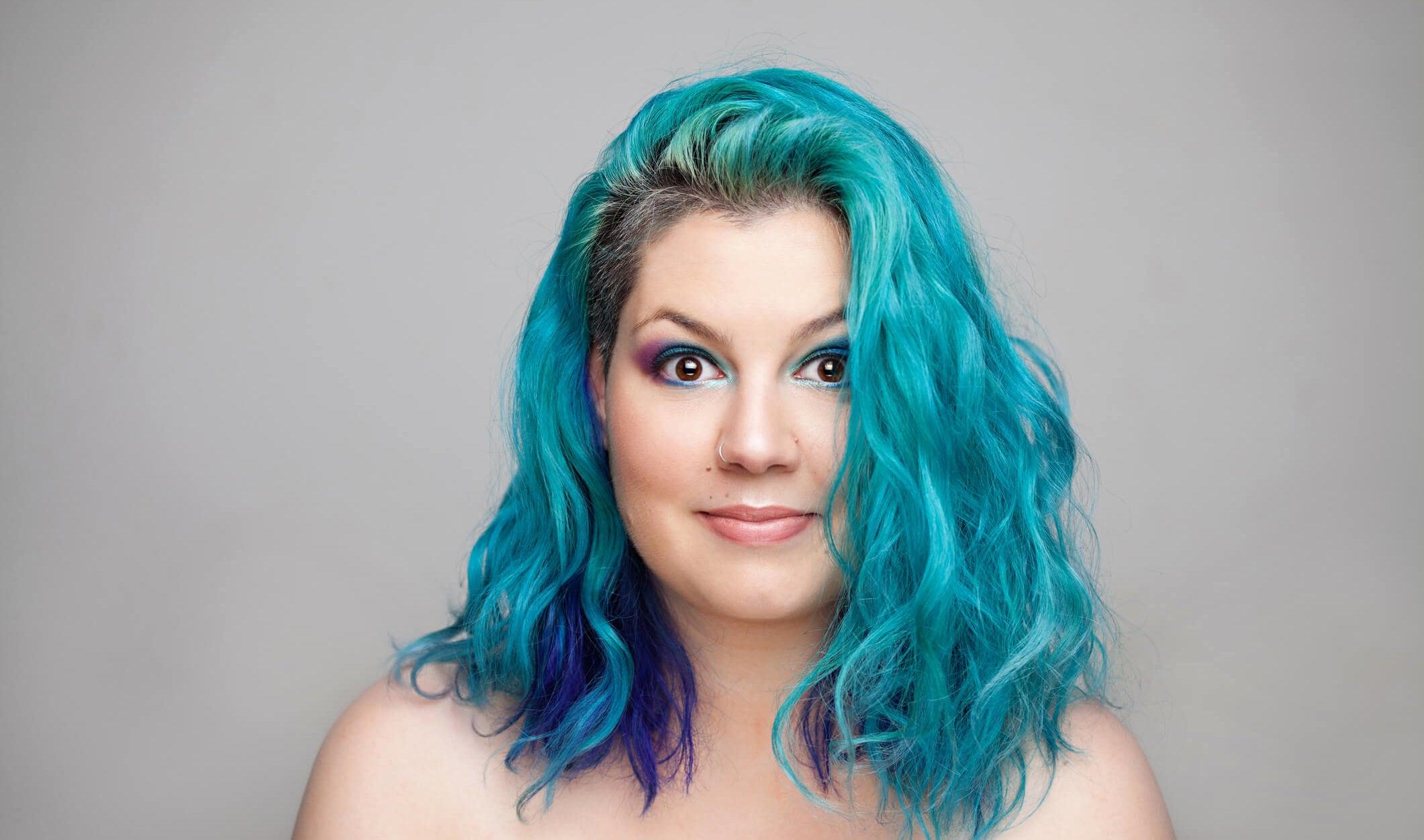 cabello azul tintura completa