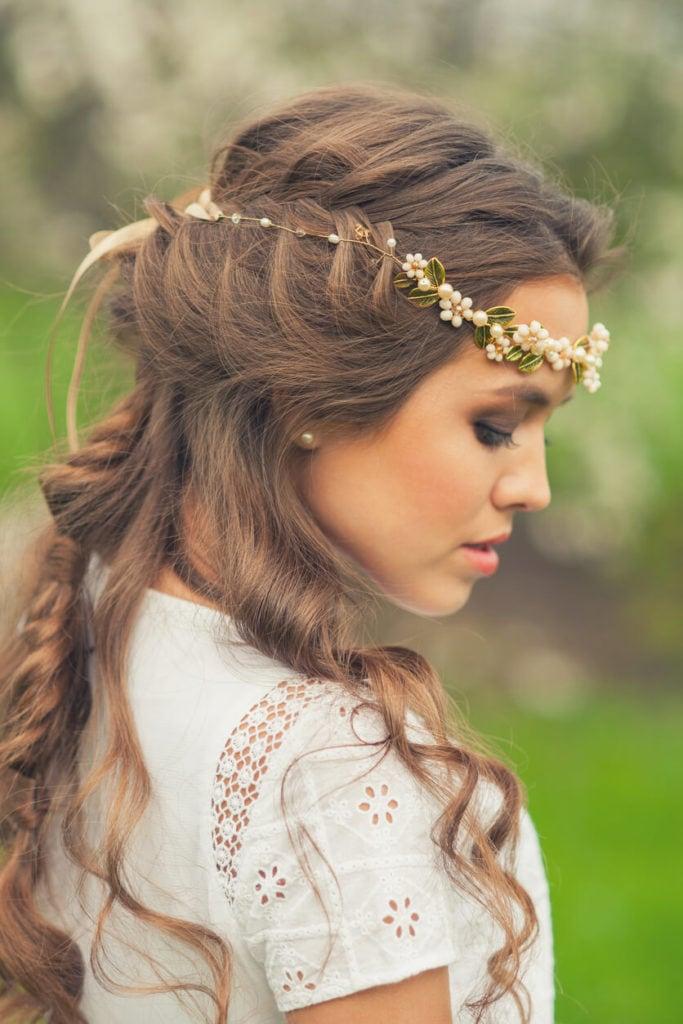 peinados con corona media cola