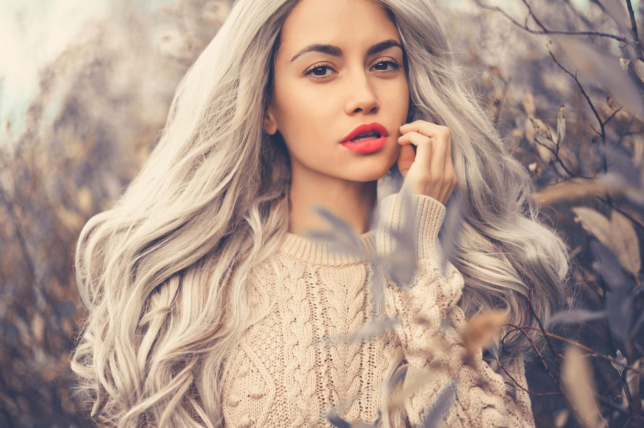 cabello gris beige