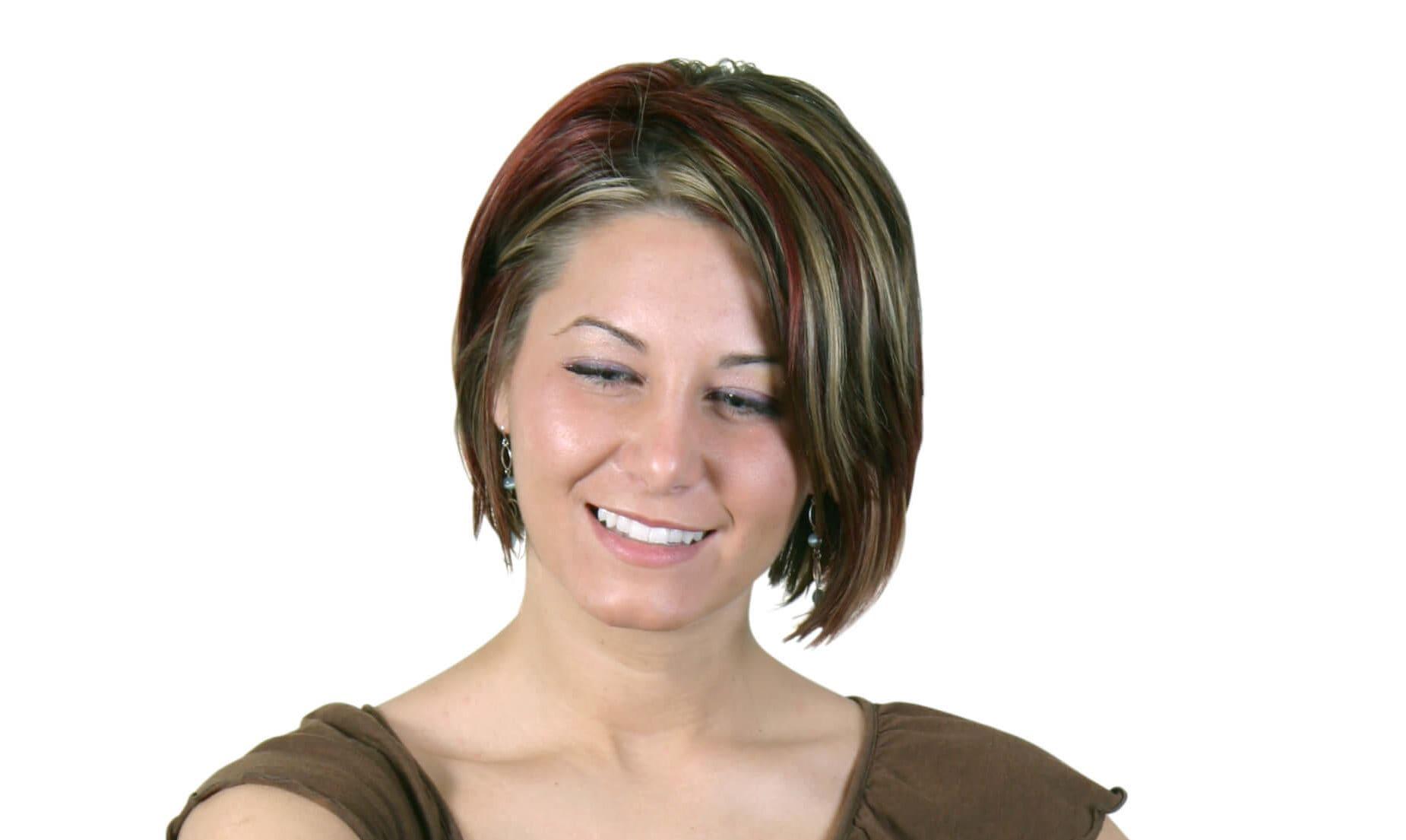 mechas en cabello corto mancha roja