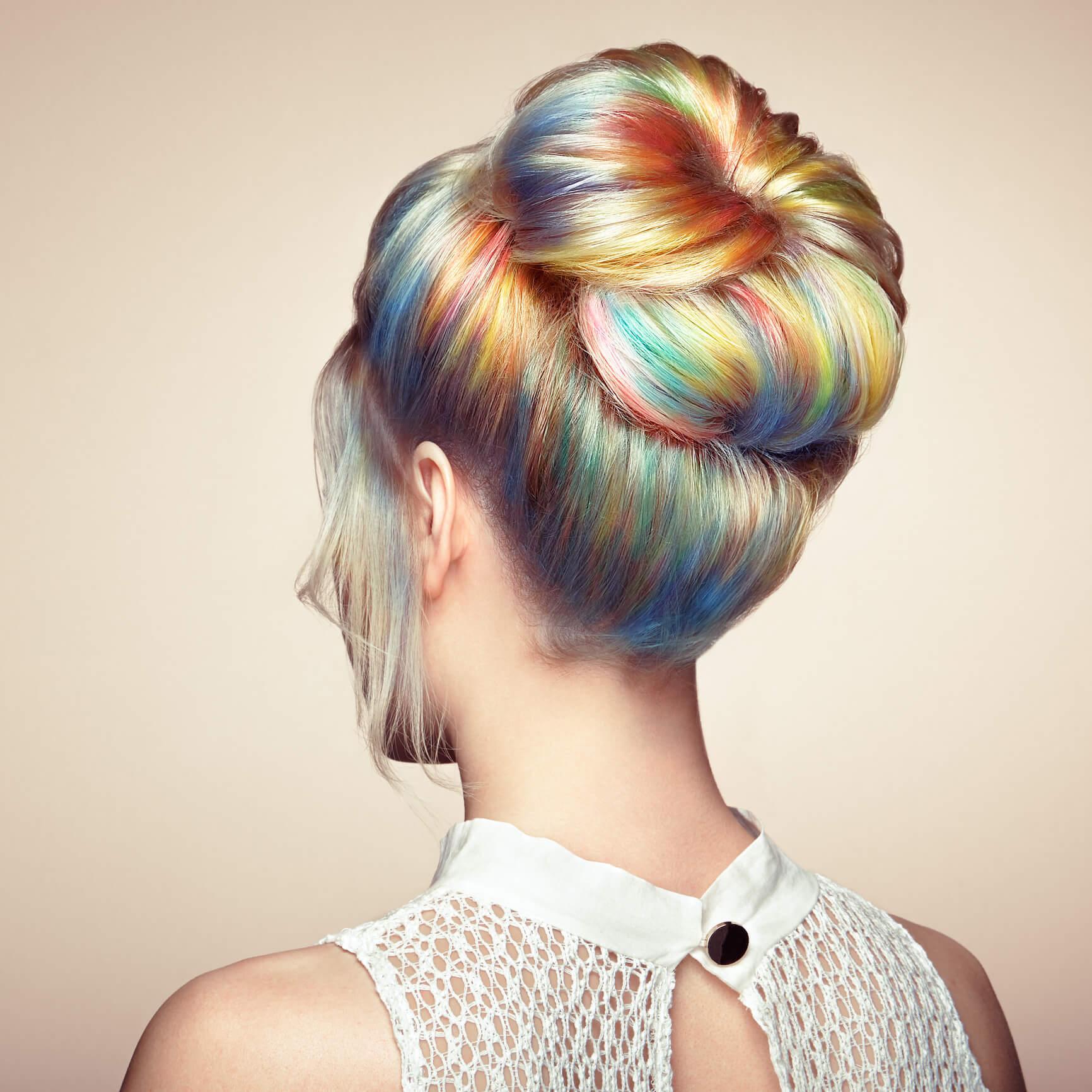 cabello arcoíris balayage