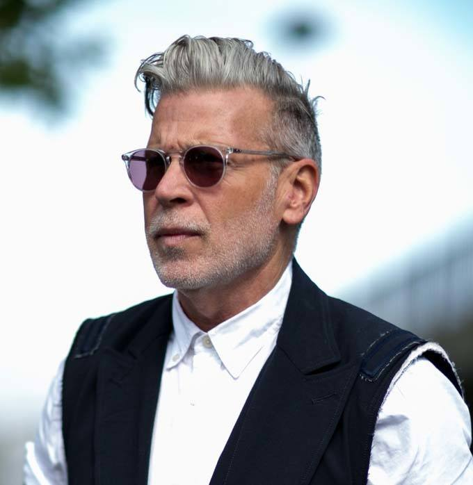 old man with grey hairstyle - men's grey hairstyle