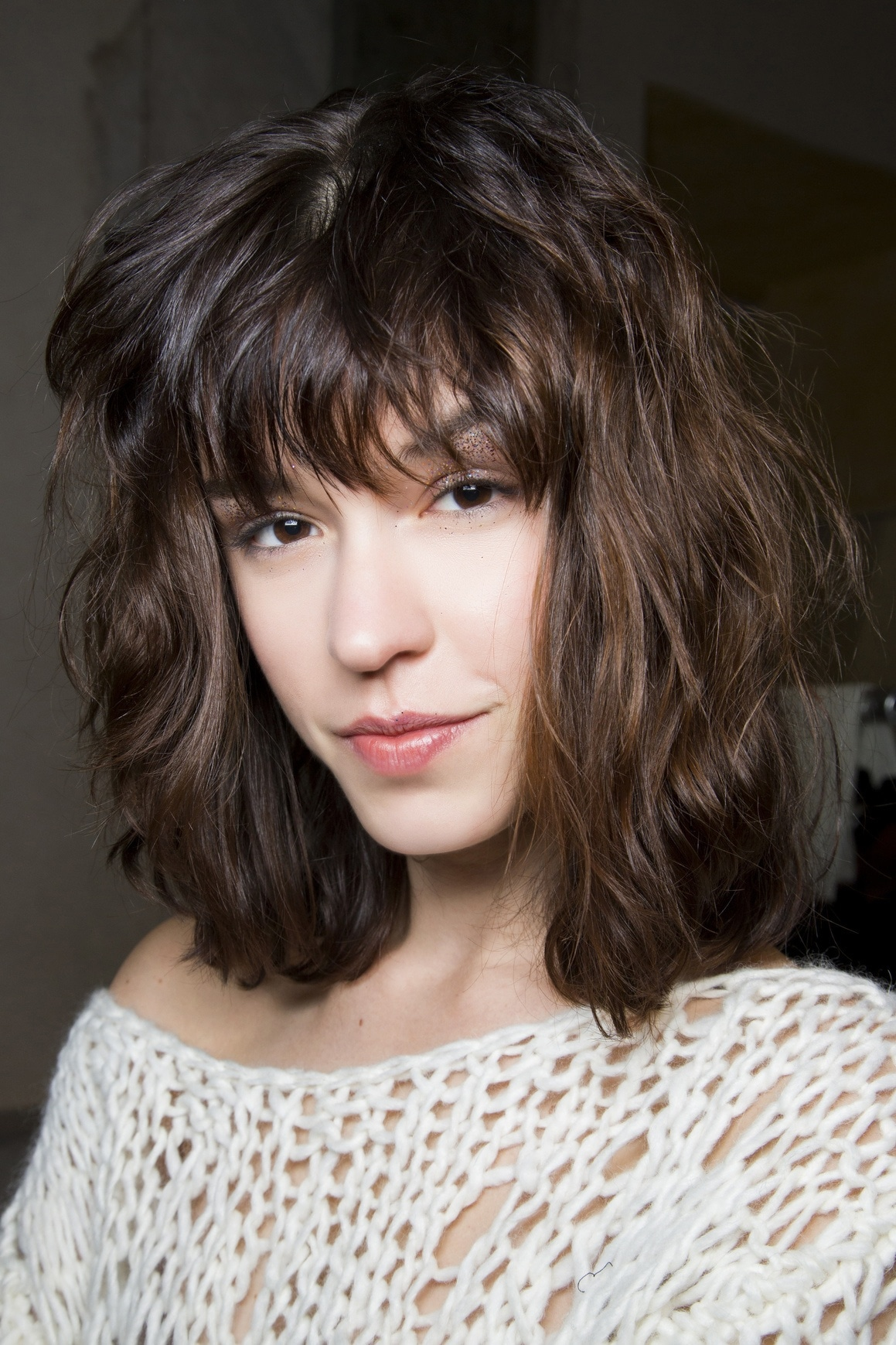 how to style bangs with beachy waves