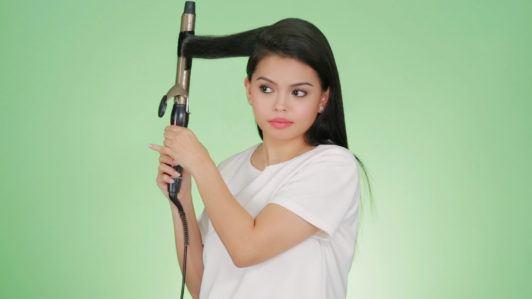 Anna Victorino side-swept hairstye tutorial step 2