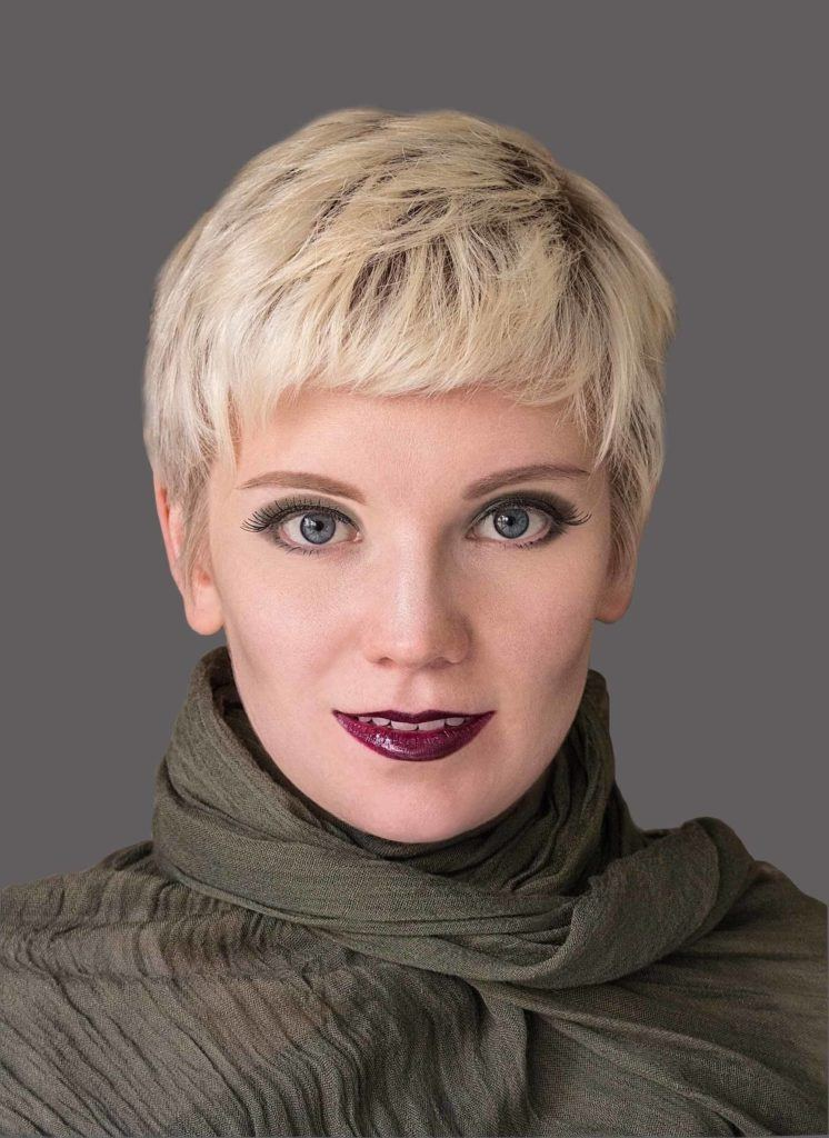 pixie cut with short bangs
