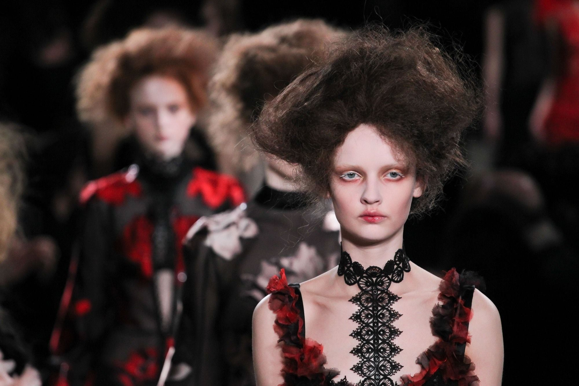 Alexander McQueen FW 2015 Victorian Hairstyles Tim Burton Garden