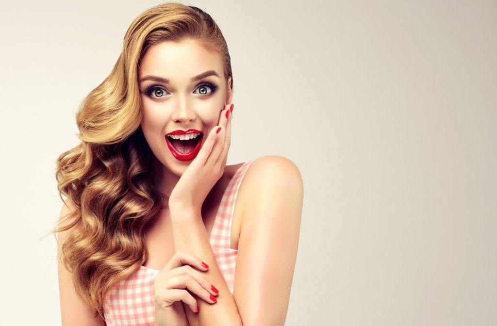 Vintage hairstyles - Pin-up curls Credit: Shutterstock