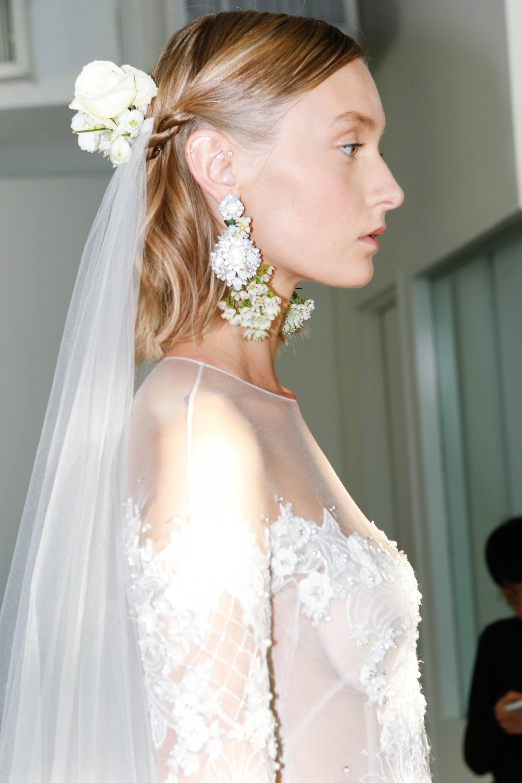 wedding hairstyles for short hair - Braided half ponytail Indigital