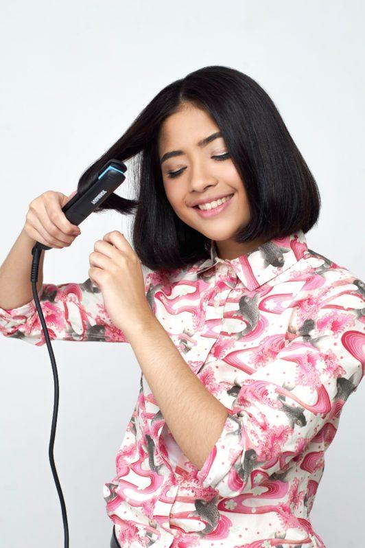 Straighten hair: How to style a bob 4