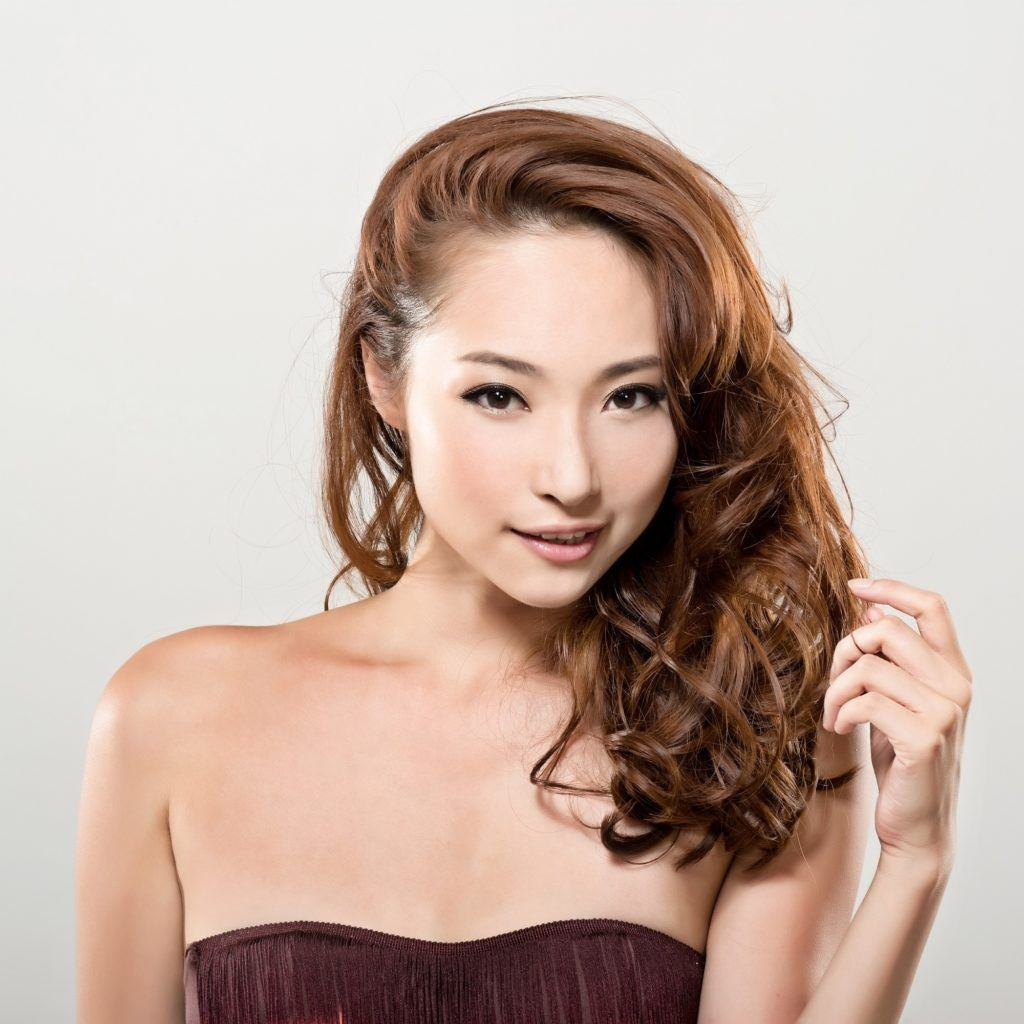 Curly hair Japanese hairstyle