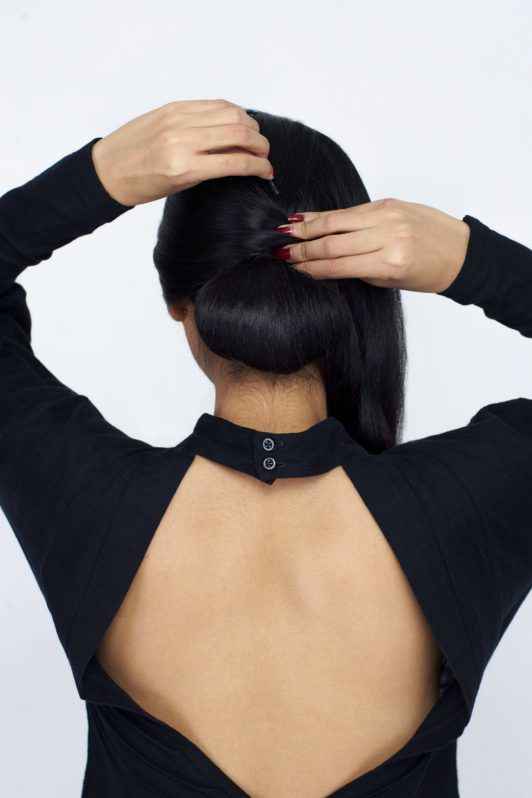 How to make a chignon step 5: Hide the elastic
