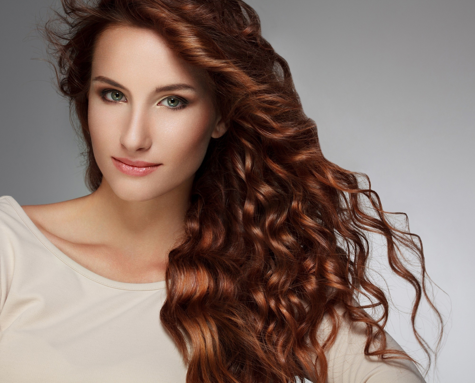 Mermaid hair ideas 2: Long, curly hair