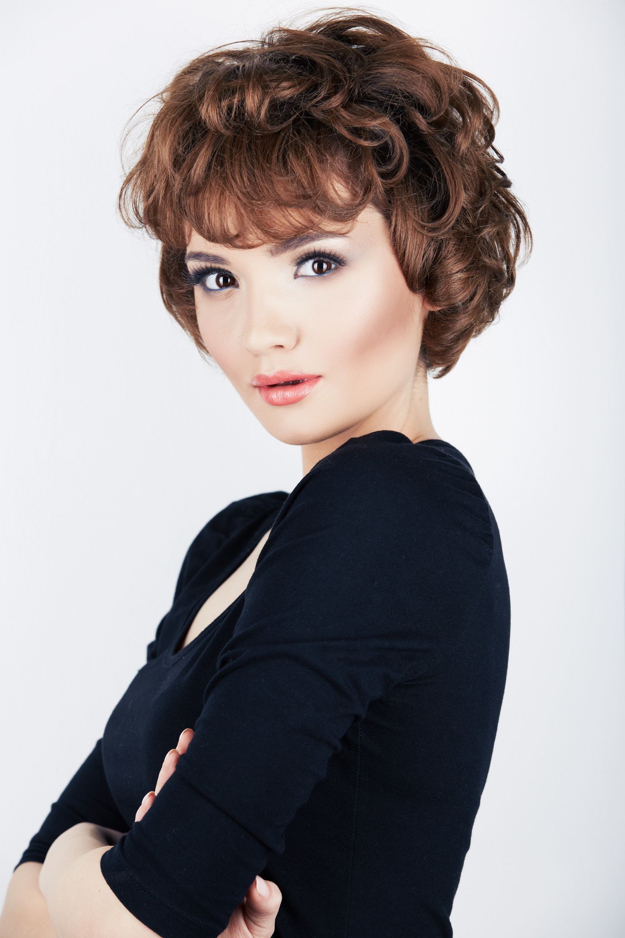 Short hairstyles for thick hair: Teased and tousled