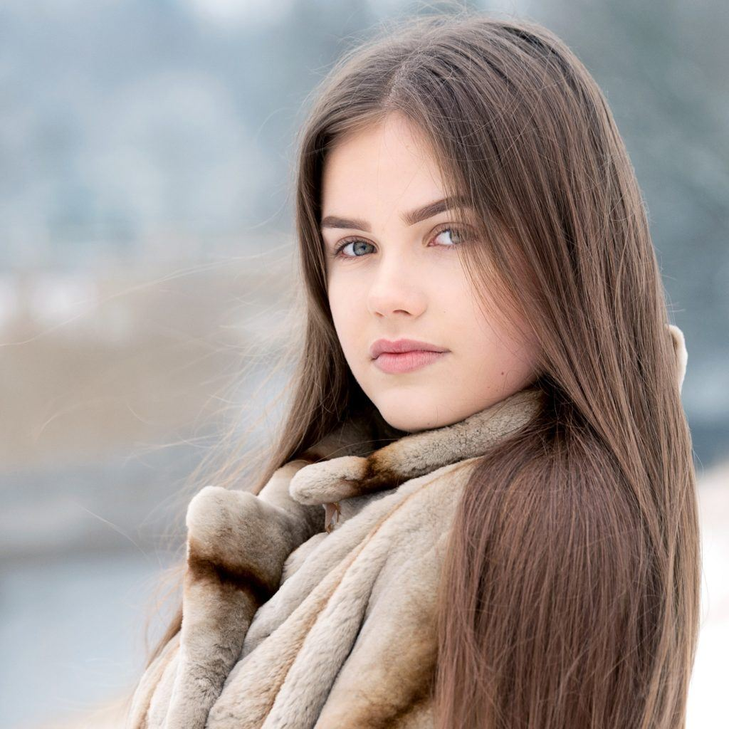 Ash Brown Hair Color This Hair Trend Explained And How To Sport