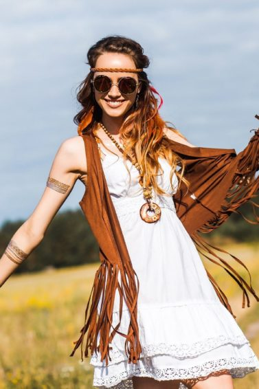 Boho hairstyles: Woman with brown wavy hair