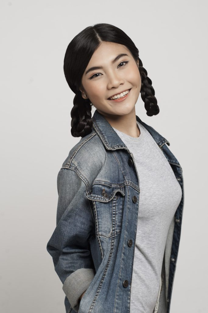 Two braids: Asian girl with looped side braids
