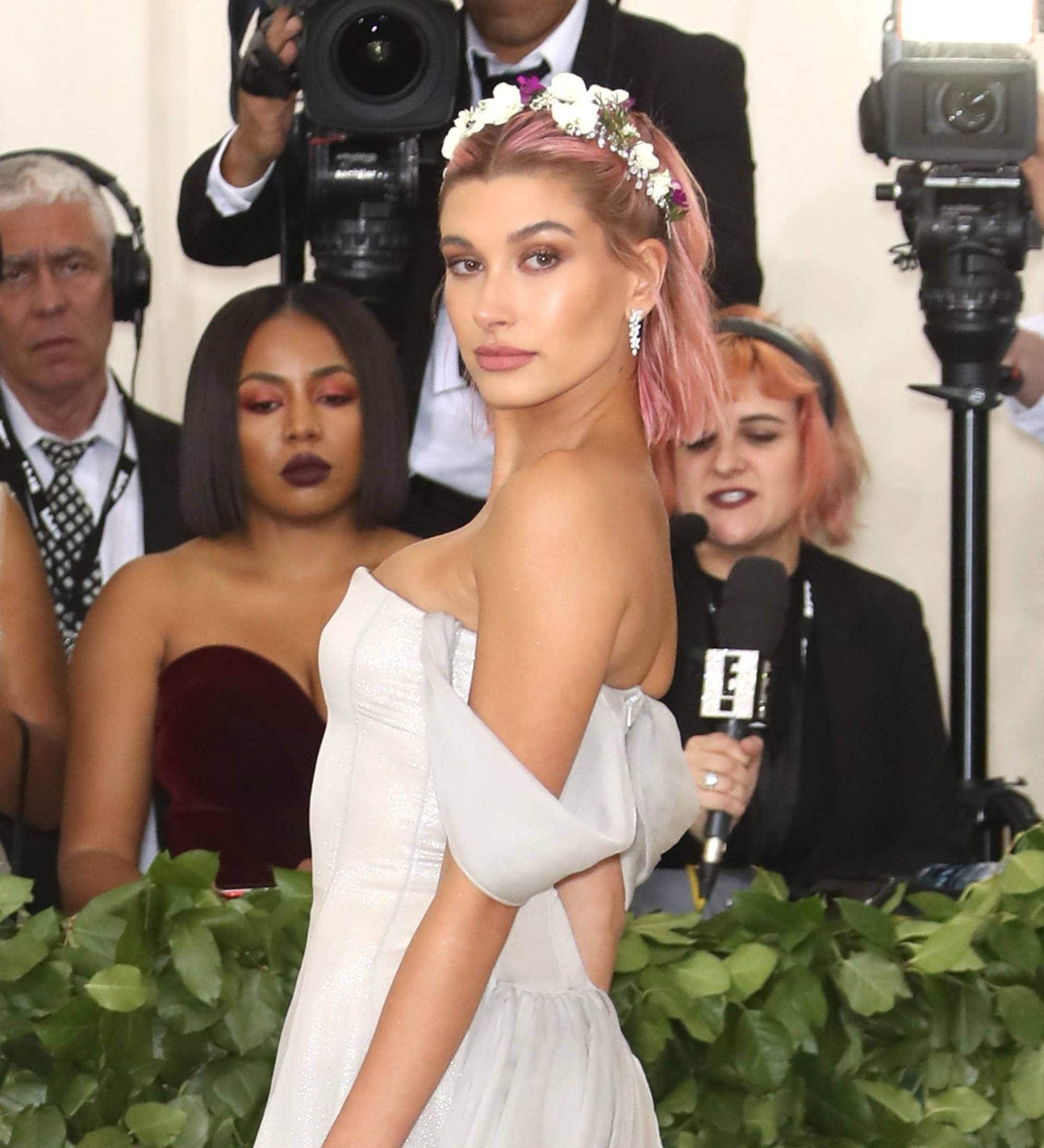 Hailey Baldwin Hairstyle